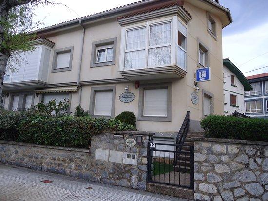 Zumardi Pentsioa (Deba, Spanje) - foto\'s, reviews en ...