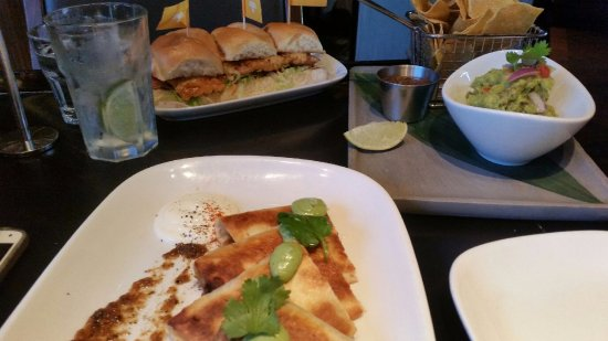 Burswood, ออสเตรเลีย: Our Delicious food to share !