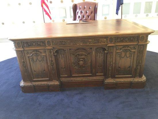 Fremont, OH: desk