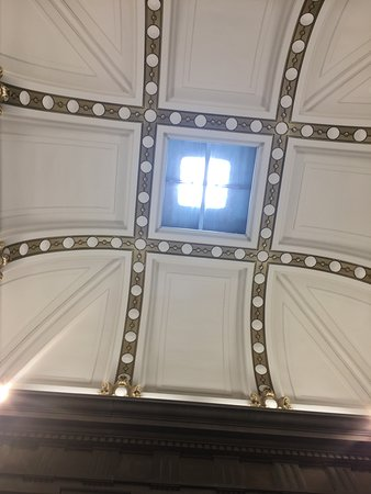 Fremont, OH: ceiling