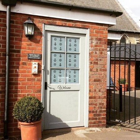 Brightlingsea, UK: Reception entrance