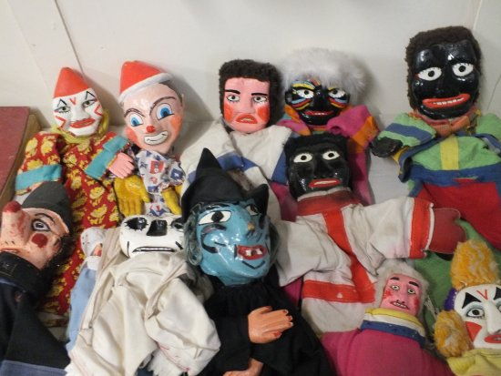 Denbigh, UK: The Ted Green Punch and Judy puppets - part of the collection that was so popular with holidayma