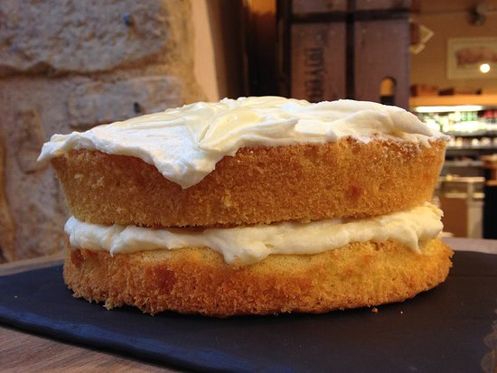 Buckingham, UK: Homemade Cake