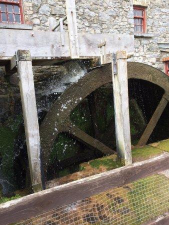 Skerries, Ierland: Water wheel in action