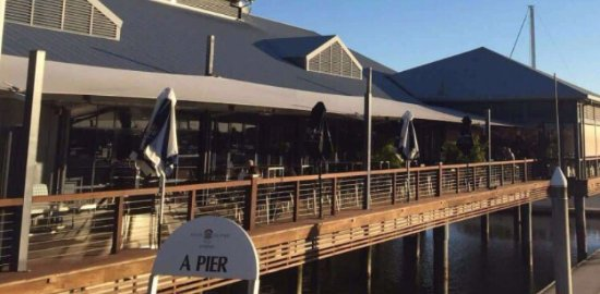Hope Island, Australia: The Boardwalk Tavern