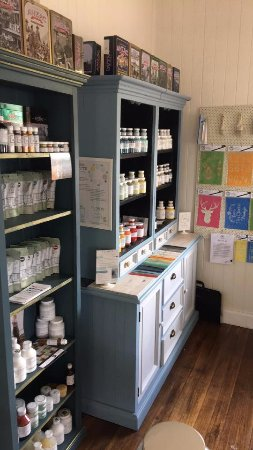 Woodford, Australia: We sell Fusion Mineral and Miss Mustard Seeds Milk Paints and accessories