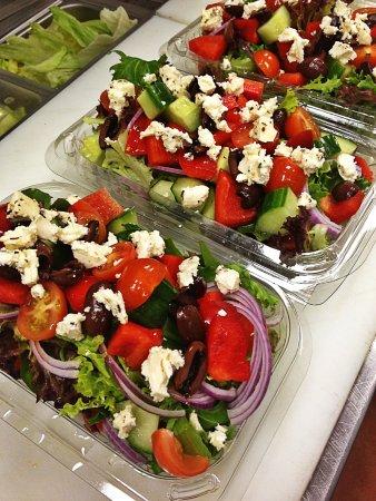 Holloways Beach, Austrália: Yummy salads made fresh to order.
