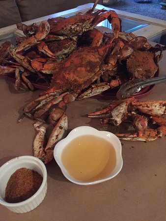 Matlacha, FL: Fresh off the boat stone & blue crabs.