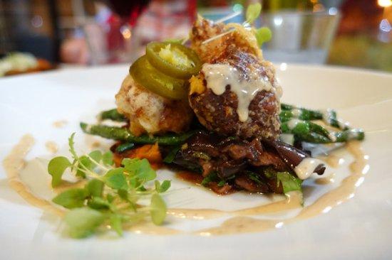 Fusion 7 australian restaurant u 6 124 horton st in for Australian fusion cuisine