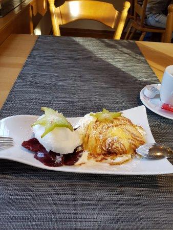 Herschberg, Deutschland: Ein Superwindbeutel als Dessert