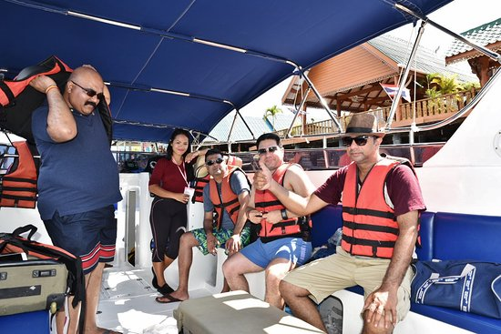 JC Tours: JC tour's amazing crew & speed boat