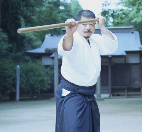 Kasama, Japón: Saito Hitohira Sensei in front of the Aiki Shrine