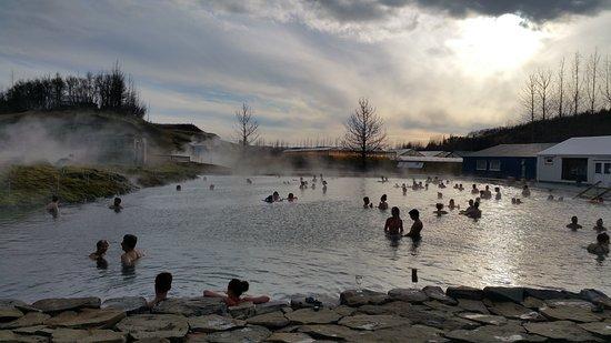 Fludir, Исландия: Secret Lagoon as sunset approaches