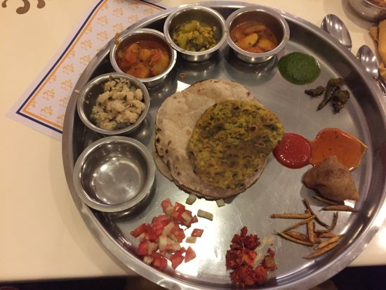Samrat Veg Restaurant: Gujrati Thali