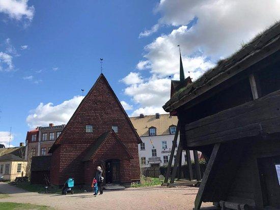 Lund, Suecia: An old wooden church.