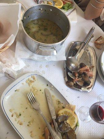 Alcacer do Sal, Portugal: Chez Amélie et Joâo  Le riz au fruits de mer, couteaux et crevettes ! Top !  Et que dire du flan