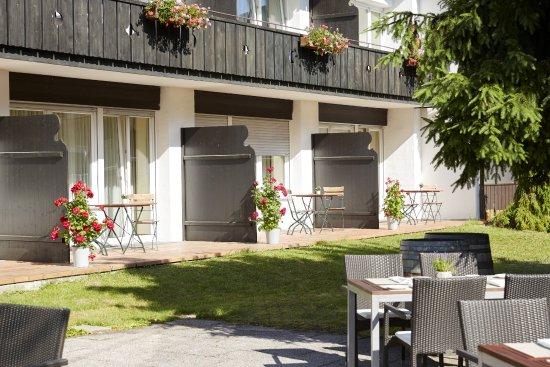 Terrassen Im H Hotel Alpina Garmisch Partenkirchen Picture Of H - Hotel alpina garmisch
