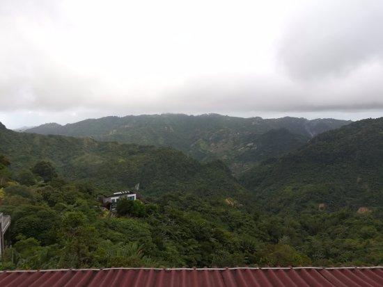 Balamban, Φιλιππίνες: View from the roof deck of the restaurant