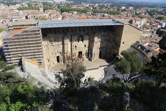 Orange, Frankrig: Roman Theatre from park side