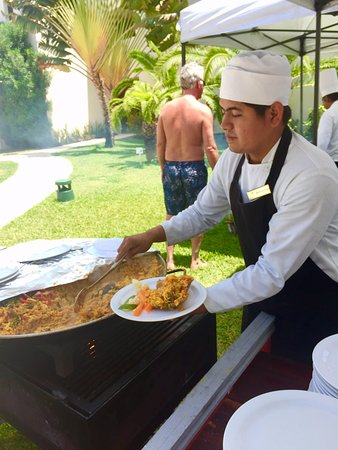 Secrets Silversands Riviera Cancun: Paella Poolside! Awesome!