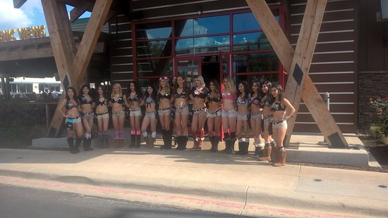 Twin Peaks Restaurants San Antonio 702 Nw Loop 410