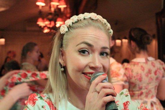 Yuliya a cantar
