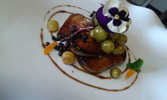 Orsennes, France: Foie gras poêlé raisin