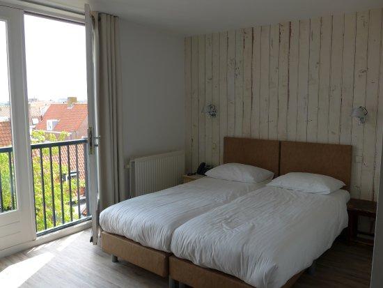 Zimmer picture of amsterdam beach hotel zandvoort for Zimmer zandvoort