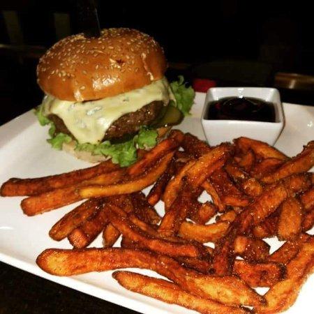 Picture Of Bluecheese Mit Burger Süsskartoffelpommes Jake 4jL35AR
