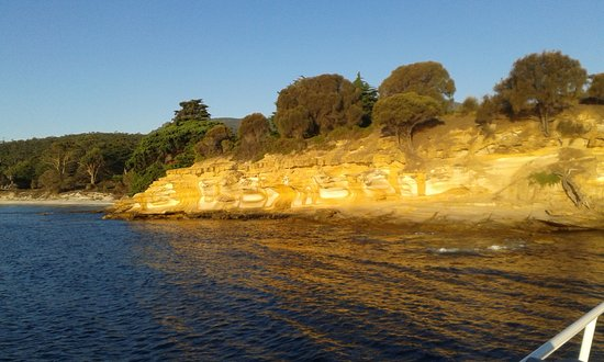 Triabunna, Australien: Painted Cliffs Maria Is