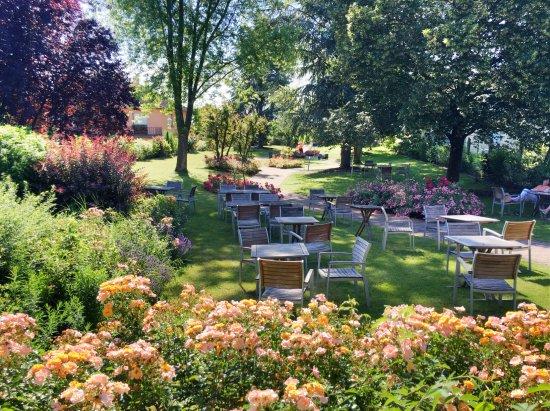 Bischwihr, Francia: vue vers le jardin