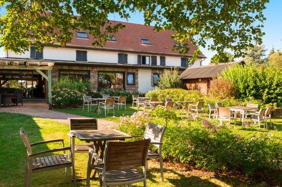 Bischwihr, Francia: espace détente dans le jardin