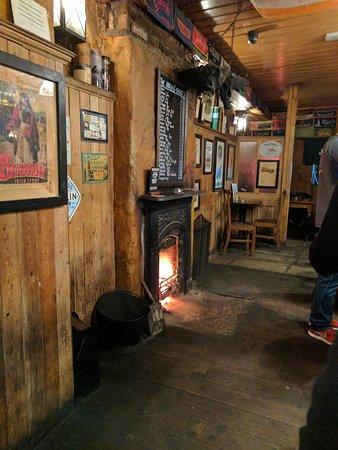 Courtney's Bar: IMG_20170419_185120_large.jpg