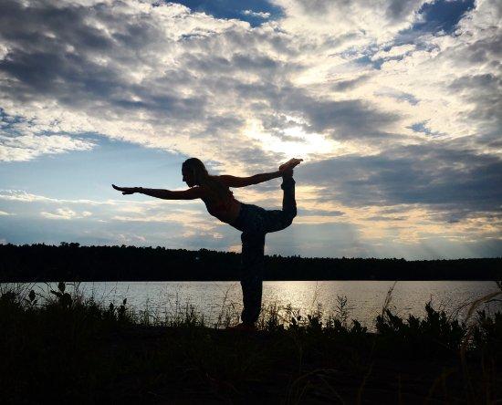 Sewall House Yoga Retreat: Lovely Mattawamkeag Lake at sunset
