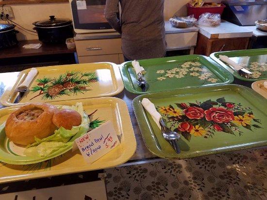 Cedar Falls, IA: Serving trays