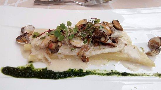 Marmagne, Francia: plat de poisson