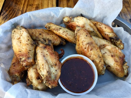 Micco, FL: Great Smoked Wings!