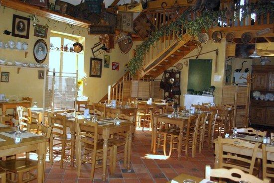 L'Estaminet de la Ferme du Mont Saint-Jean: la salle de l'estaminet
