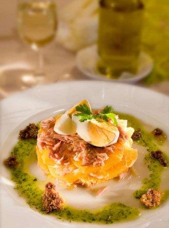 Zuheros, Испания: Remojón de Naranja con Bacalao y Pan de Higos