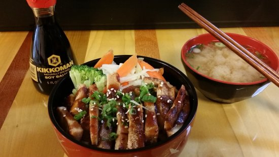 Beaverton, Oregón: Kajitsu Sushi Bar and Japanese Bistro