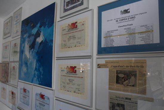 Erkelenz, Germany: Diego's Eis - Zertifikate