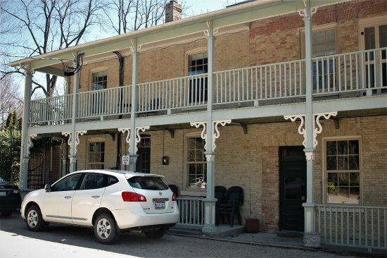 Bayfield, Canada: Our suite on the top floor. There is access to balconey for ground floor.