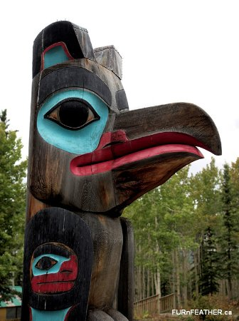Teslin, Canada: Coast totem - one of several outside the center.
