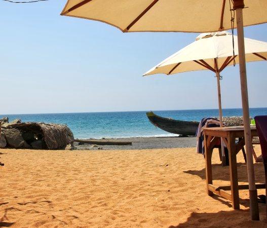 Good Karma Beach Resort: den smukke strand tæt på