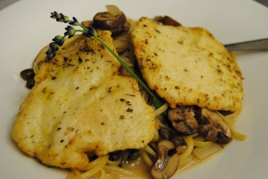 Blue Pelican Inn: Chicken Picatta