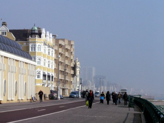 Μπράιτον Εντ Χοβ, UK: Hove seafront  © Robert Bovington