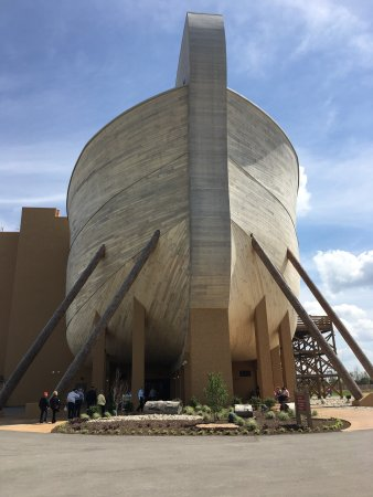 Williamstown, KY: Wonderful recreation of Noah's ark in Biblical proportions!