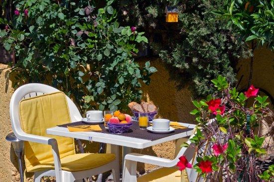 Vernet-Les-Bains, فرنسا: Petit déjeuner en Terrasse