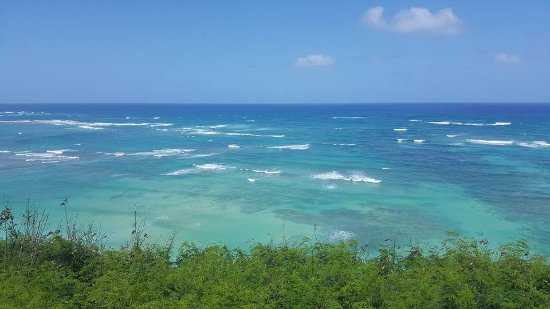 Kaneohe, Hawái: View from top of the Mountain that is part of the land of the Ranch