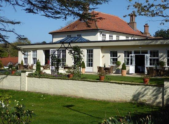 Kelling, UK: Side View Of The Orangery Garden